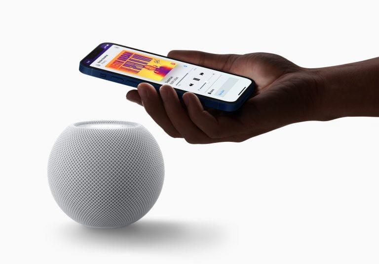 HomePod mini with global intercom function